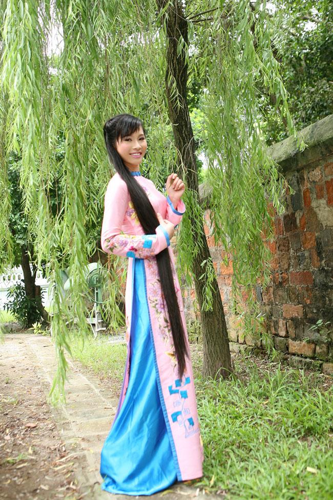 Ngắm nhan sắc có mái tóc dài kỷ lục tại cuộc thi HHTG người Việt - 10