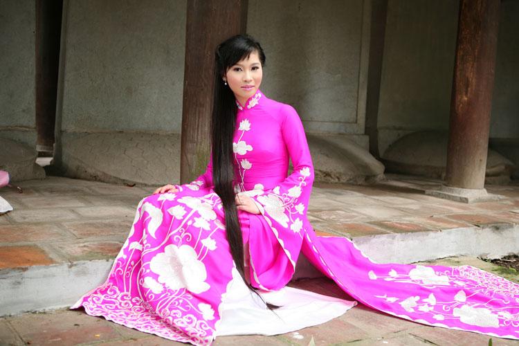 Ngắm nhan sắc có mái tóc dài kỷ lục tại cuộc thi HHTG người Việt - 11