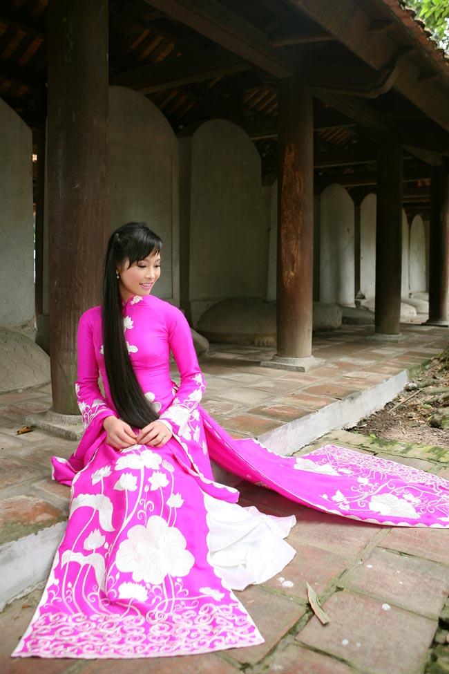 Ngắm nhan sắc có mái tóc dài kỷ lục tại cuộc thi HHTG người Việt - 12