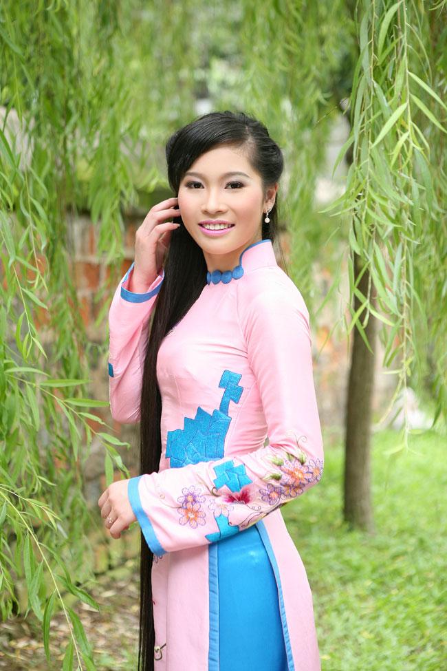 Ngắm nhan sắc có mái tóc dài kỷ lục tại cuộc thi HHTG người Việt - 9