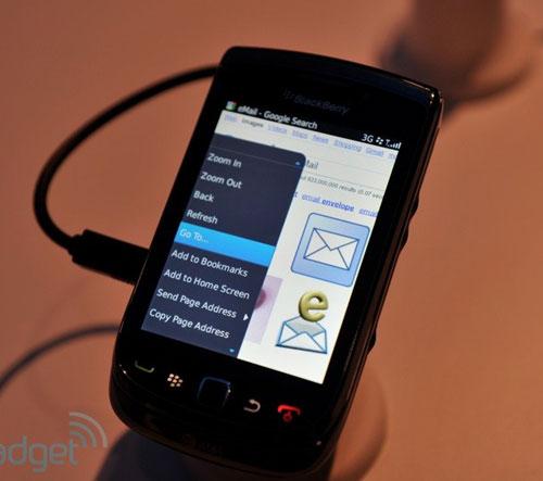RIM trình làng điện thoại trượt màn hình cảm ứng - 10