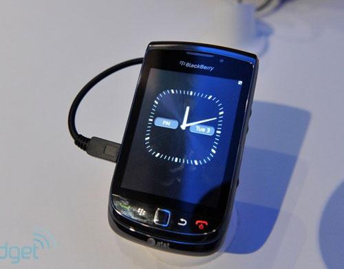 RIM trình làng điện thoại trượt màn hình cảm ứng - 16