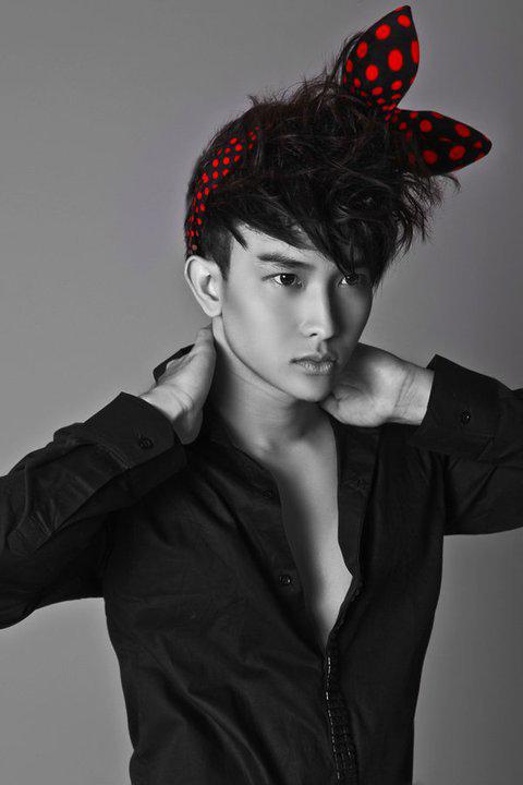 """Tạo hình sexy như """"hot boy"""" Chan Than San - 2"""