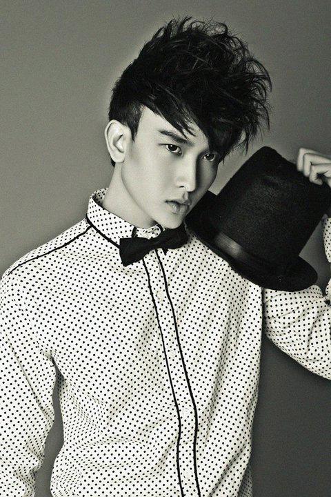 """Tạo hình sexy như """"hot boy"""" Chan Than San - 7"""