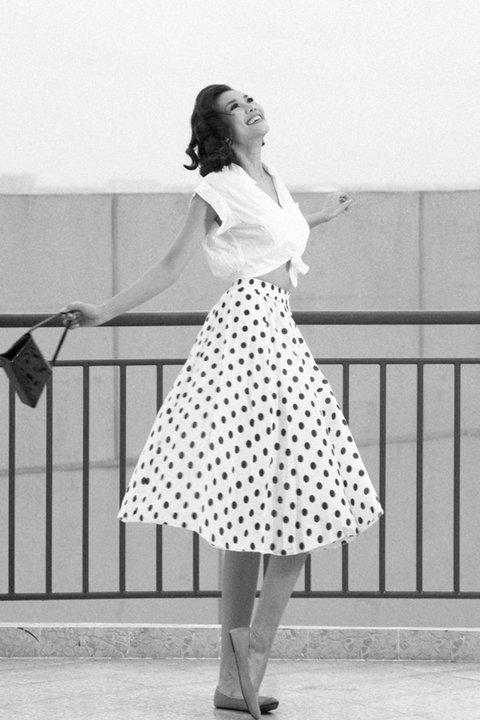 Tư vấn: Chọn váy cổ điển - 8