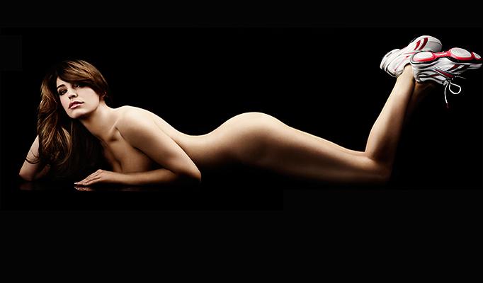 Kelly Brook hưởng 9 tỷ đồng cho 1 show chụp khỏa thân - 4