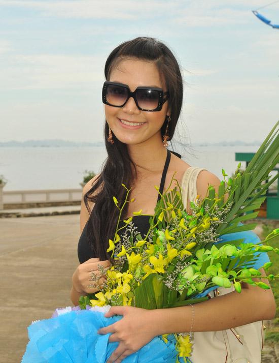 Hoa hậu Thùy Dung khoe chân dài miên man tại Tuần Châu - 3