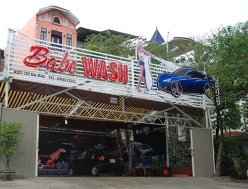 """Xuất hiện """"chân dài"""" rửa xe tại Hà Nội - 7"""