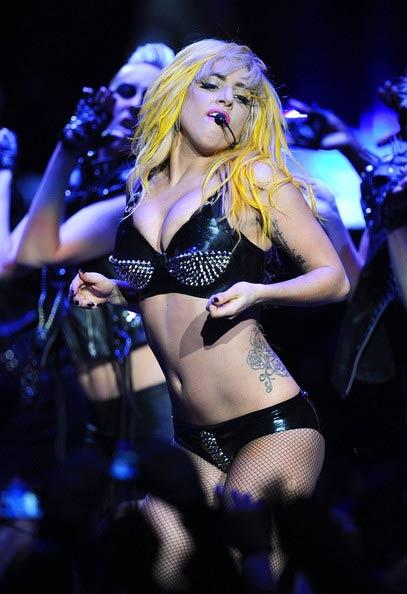 """Rihanna: """"Ngòi nổ"""" cho nền âm nhạc """"khiêu dâm hóa"""" - 19"""