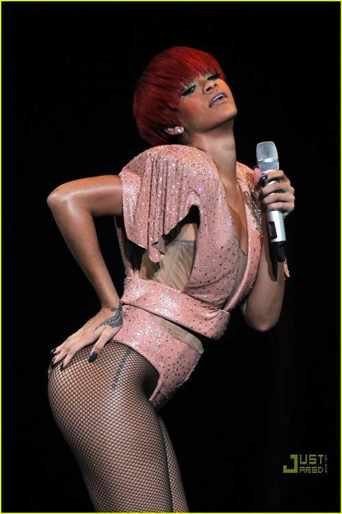 """Rihanna: """"Ngòi nổ"""" cho nền âm nhạc """"khiêu dâm hóa"""" - 1"""