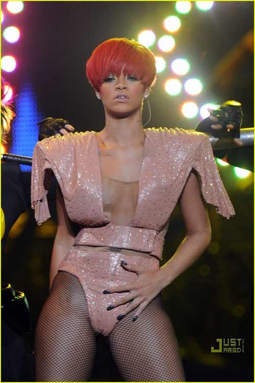 """Rihanna: """"Ngòi nổ"""" cho nền âm nhạc """"khiêu dâm hóa"""" - 6"""
