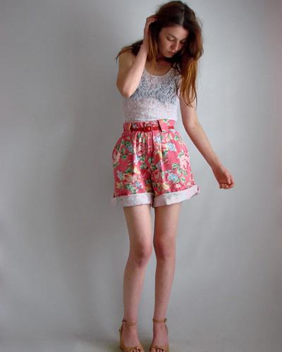 Mặc quần cạp cao để chân dài như Thanh Hằng - 8