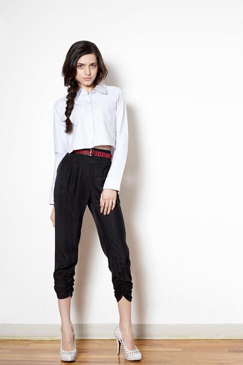 Mặc quần cạp cao để chân dài như Thanh Hằng - 16