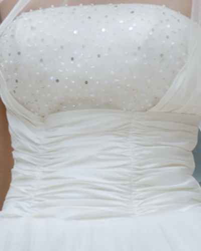 Mặc váy cưới ngắn xinh như Triệu Trang - 7