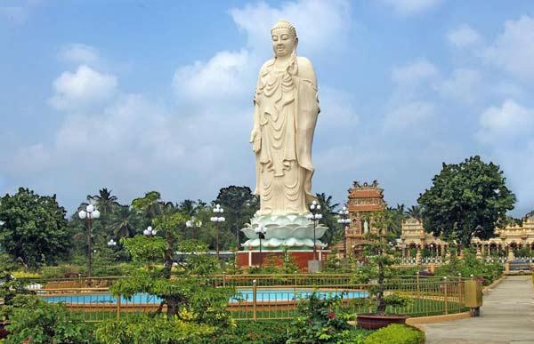 Tượng Phật A Di Đà lộ thiên cao nhất Việt Nam - 1