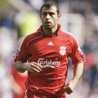 Liverpool thách giá Mascherano