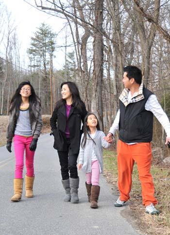 Hồng Đào - Quang Minh: Cặp đôi hạnh phúc - 1