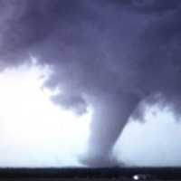 Hà Nội: Lốc xoáy kinh hoàng
