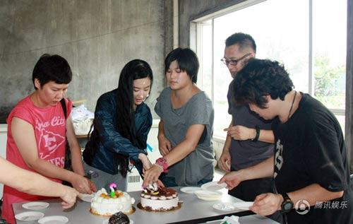 Lưu Diệc Phi đón sinh nhật bên 'người yêu' - 6