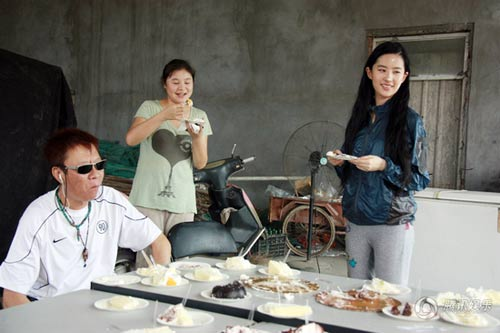 Lưu Diệc Phi đón sinh nhật bên 'người yêu' - 7