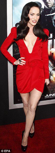 """Megan Fox: Nữ """"sát thủ"""" nóng bỏng - 10"""