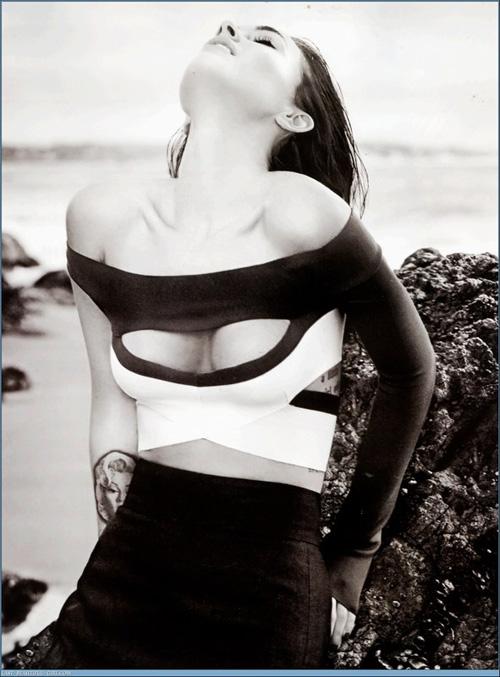 """Megan Fox: Nữ """"sát thủ"""" nóng bỏng - 18"""