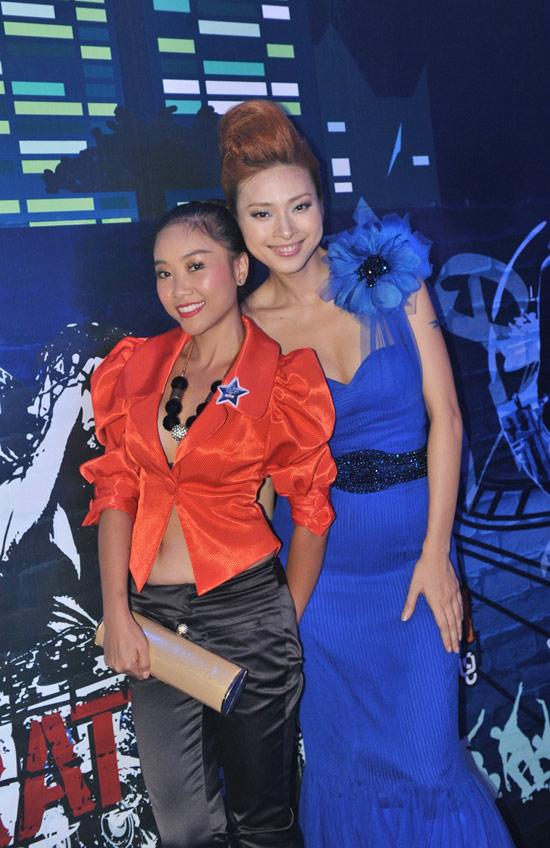 Ngô Thanh Vân xanh ngắt bên Đoan Trang sexy - 7