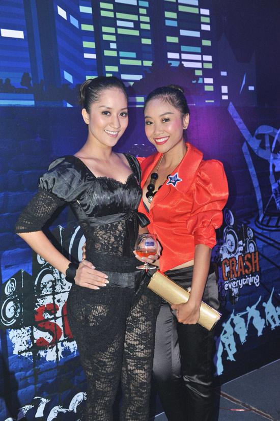 Ngô Thanh Vân xanh ngắt bên Đoan Trang sexy - 9