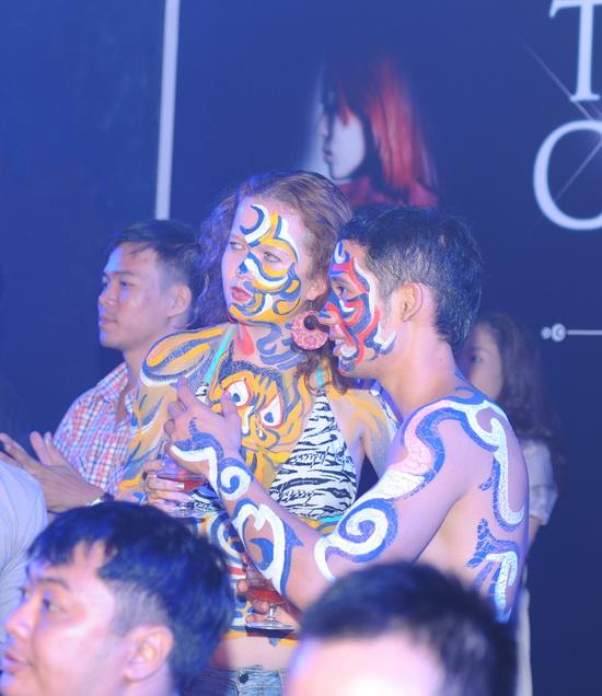 """Ngô Thanh Vân nhảy cực """"bốc"""" cùng vũ điệu ánh sáng - 10"""