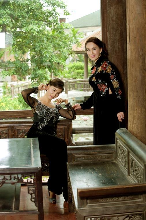 Diễm My và Lê Khanh mặc áo dài mừng đại lễ - 6