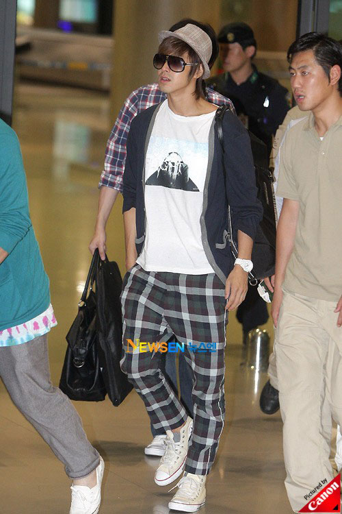 Thời trang độc của sao Hàn tại sân bay - 3