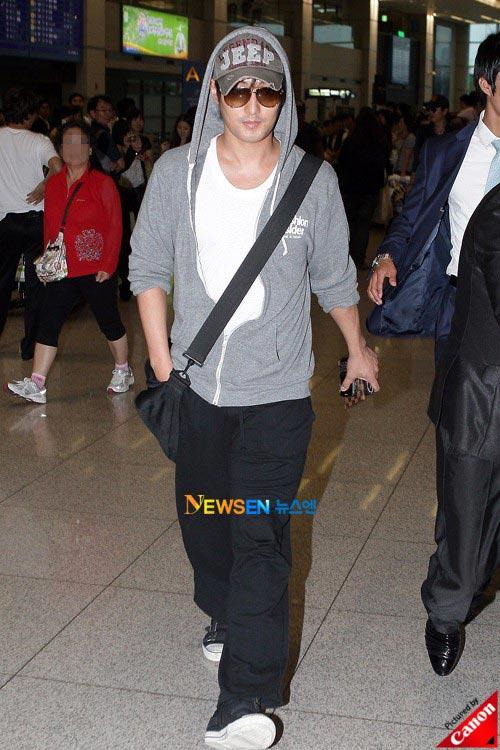 Thời trang độc của sao Hàn tại sân bay - 2