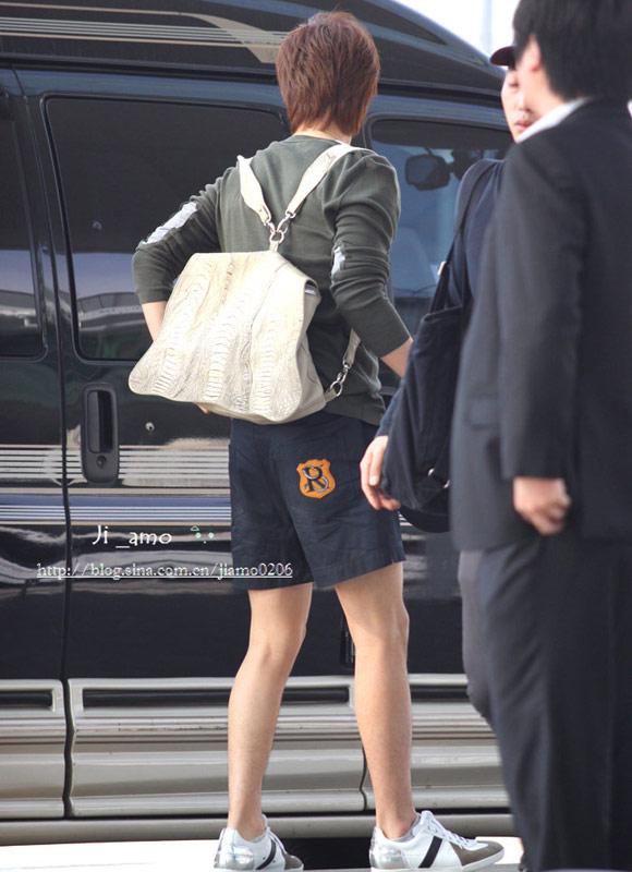 Thời trang độc của sao Hàn tại sân bay - 5