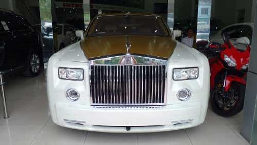 Siêu xe Rolls-Royce Phantom có màu lạ tại Hà Nội - 2