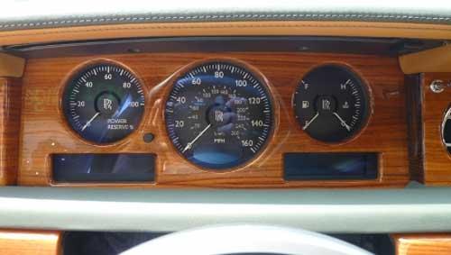 Siêu xe Rolls-Royce Phantom có màu lạ tại Hà Nội - 8