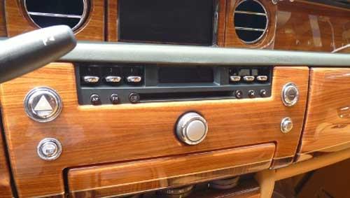 Siêu xe Rolls-Royce Phantom có màu lạ tại Hà Nội - 10
