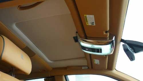 Siêu xe Rolls-Royce Phantom có màu lạ tại Hà Nội - 16