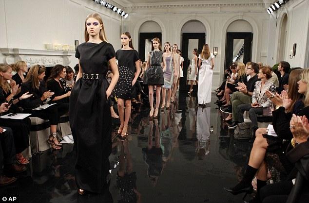 Vic 'đại náo' ở tuần lễ thời trang New York - 15