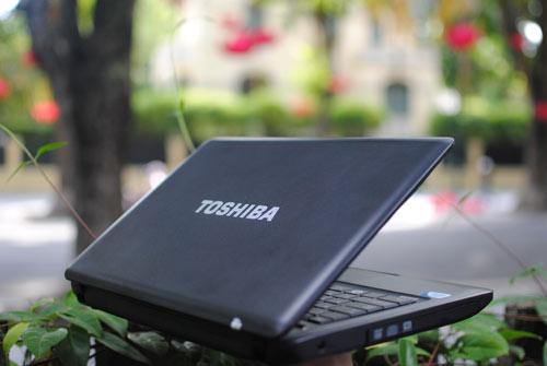 Toshiba Satellite C640: Lựa chọn tầm trung hoàn hảo - 2