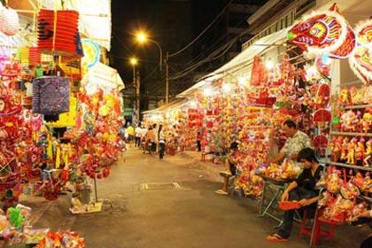"""Rực rỡ """"phố đèn lồng"""" giữa Sài Gòn - 1"""