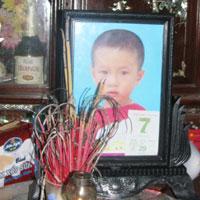 Đau lòng bé trai chết đuối trong ngày đầu tiên đi học