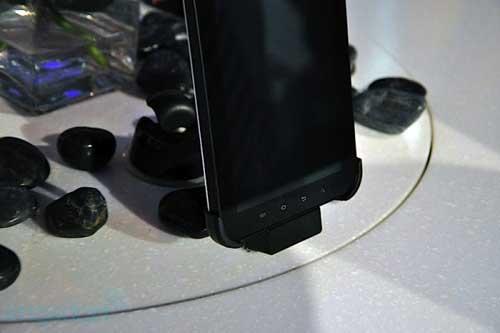 Samsung Galaxy Tab có giá 700 USD - 7