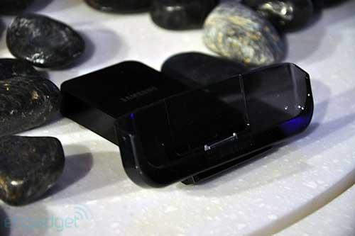 Samsung Galaxy Tab có giá 700 USD - 8