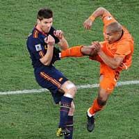 Video bóng đá: Những pha kung-fu rợn người