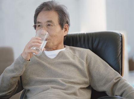 Viêm đường tiết niệu ở người cao tuổi - 1