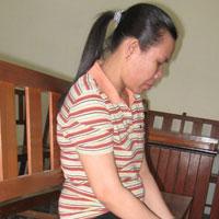 Vợ cầm dao giết chồng vì ghen