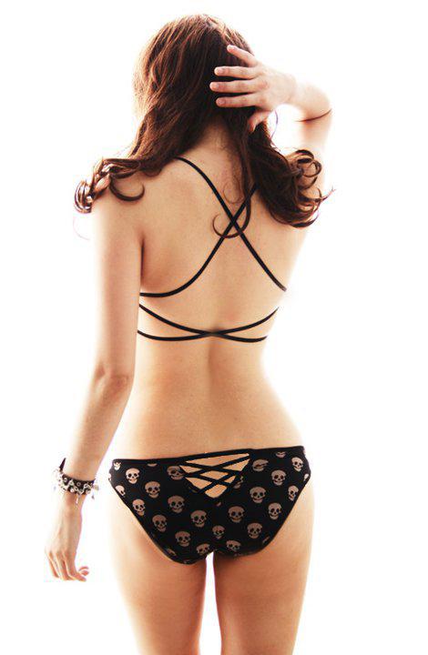 Áo lót nâng ngực lợi thì có lợi, nhưng.... - 7
