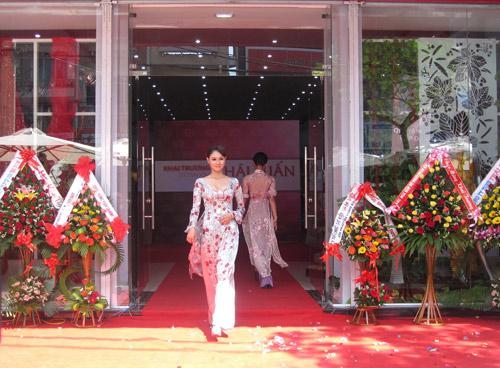 Thái Tuấn tưng bừng khai trương showroom mới tại Đà Nẵng - 4
