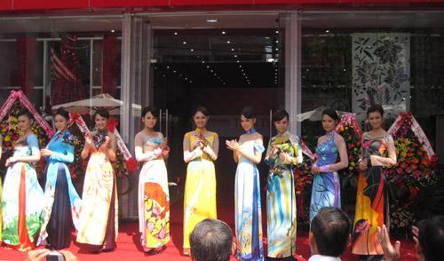 Thái Tuấn tưng bừng khai trương showroom mới tại Đà Nẵng - 5