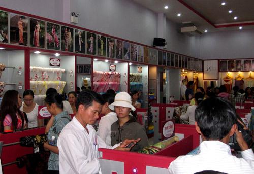 Thái Tuấn tưng bừng khai trương showroom mới tại Đà Nẵng - 8